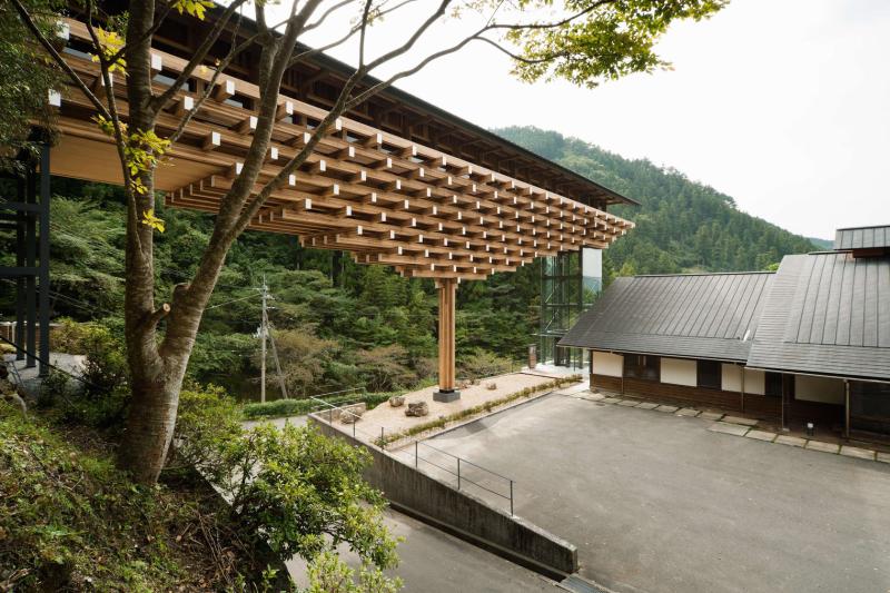 梼原町木桥博物馆由隈研吾and Associates公司