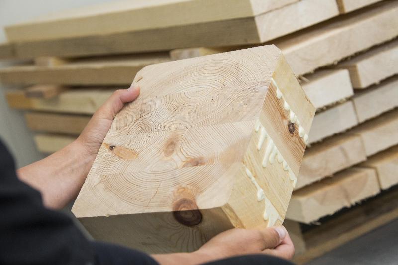 胶合木制品