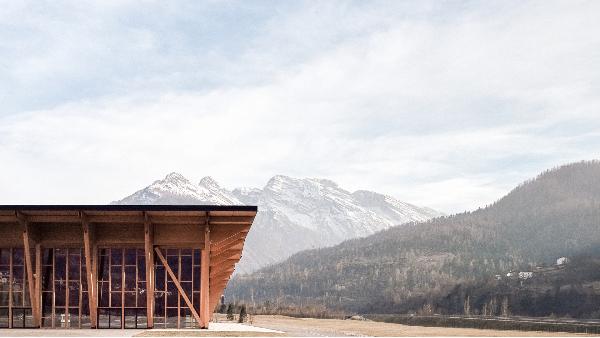为什么要使用胶合木建造木屋?