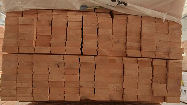 防腐木怎样保养才能延长使用寿命