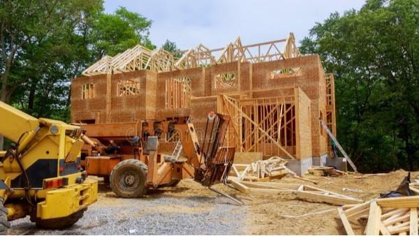 使用木材作为建筑材料可以节省金钱和时间
