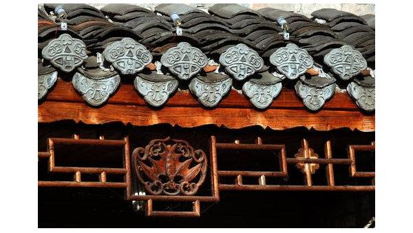 成都防腐木生产厂家为您介绍:中国建筑的几个特征!
