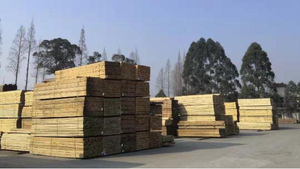 四川防腐木生产厂家告诉你:如何选择防腐木!